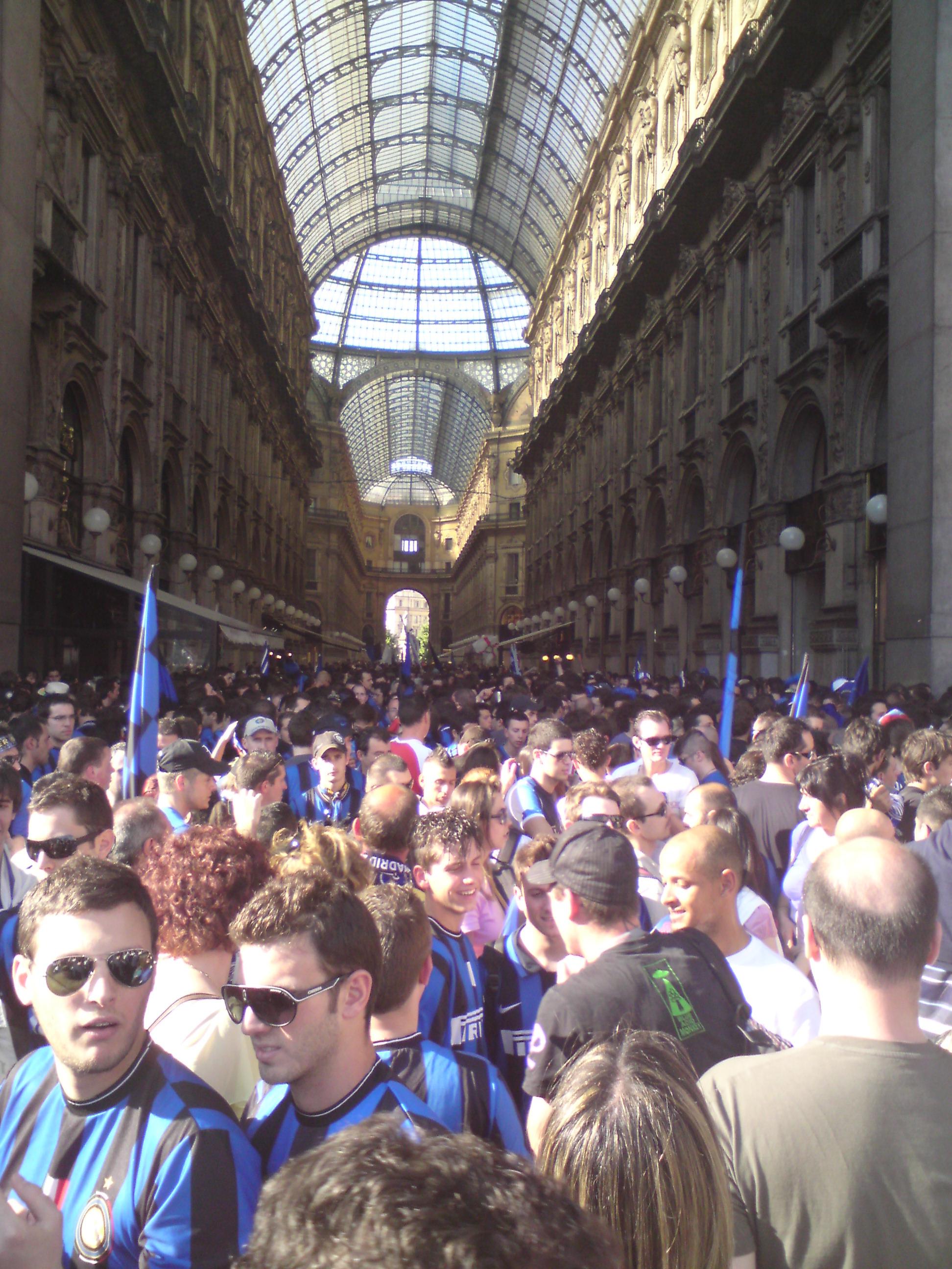 Als der Platz am Platz zu eng wurde, flutete sich die Galleria.