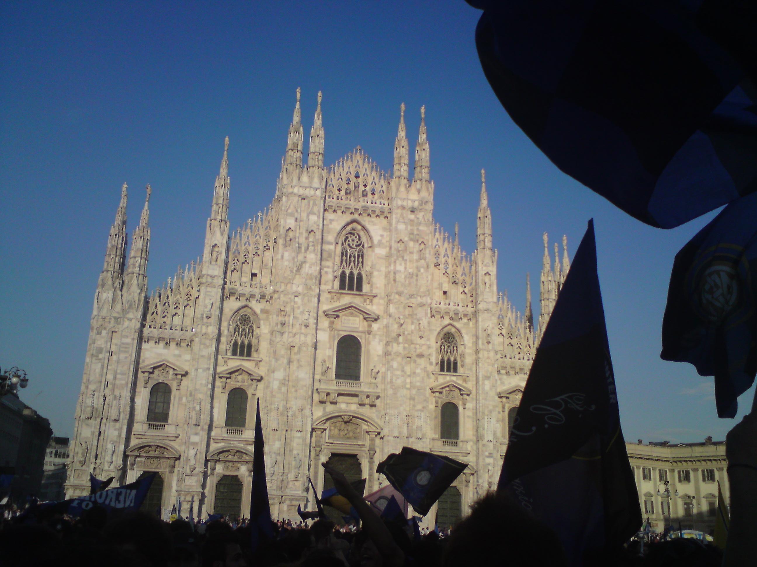 Am Piazza Duomo mit ein paar Interfans.
